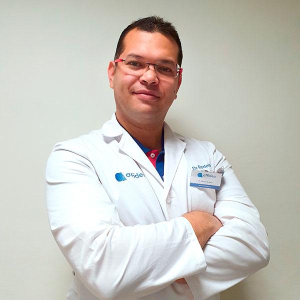 Dr. Ronny Rodelo